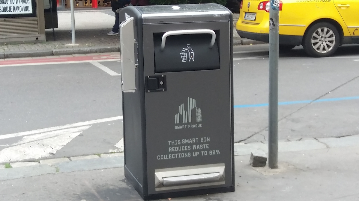 image-prague-will-test-the-smart-waste-bins-system-in-the-city-center